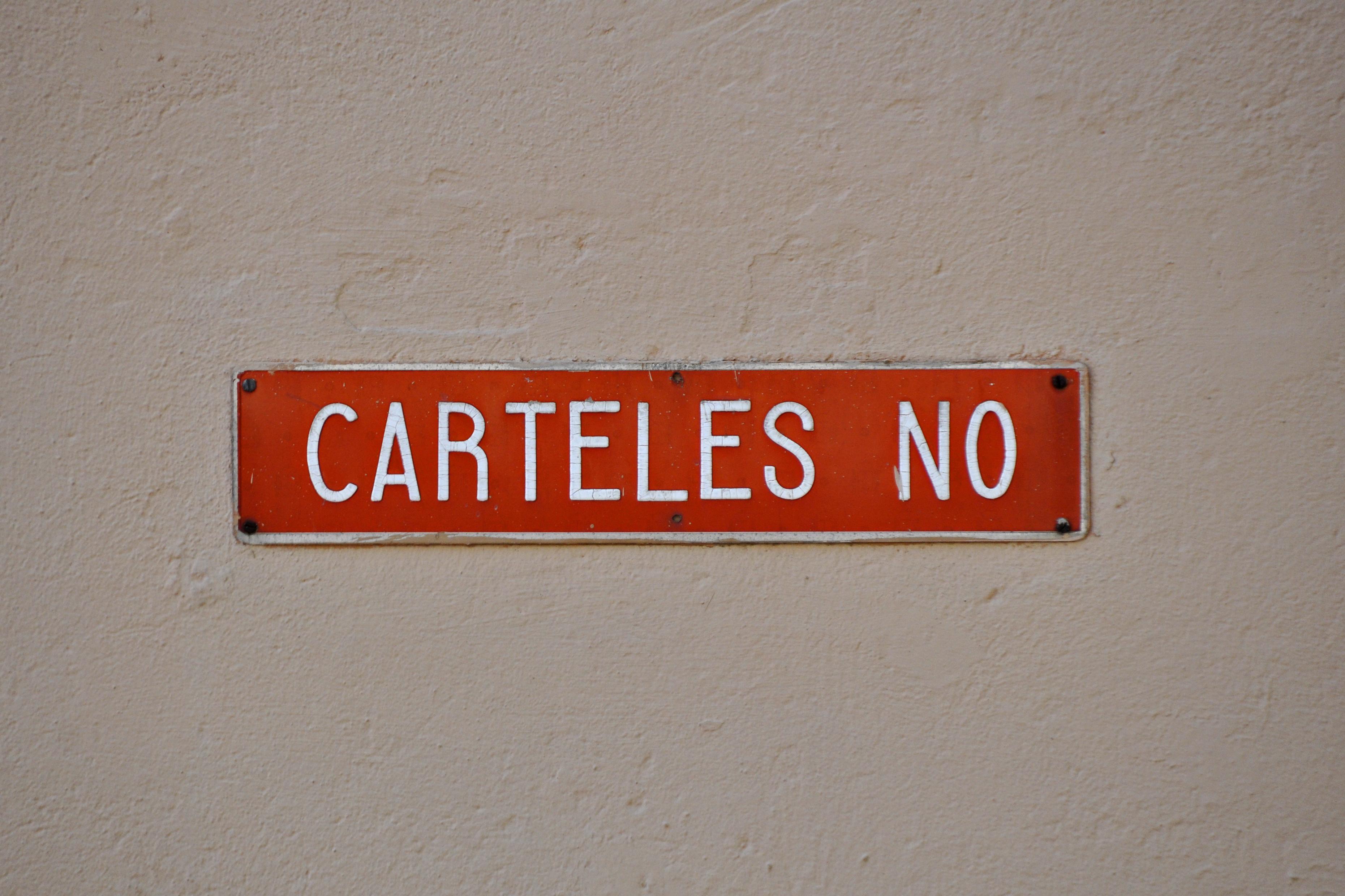El Cartel contra la pared. III